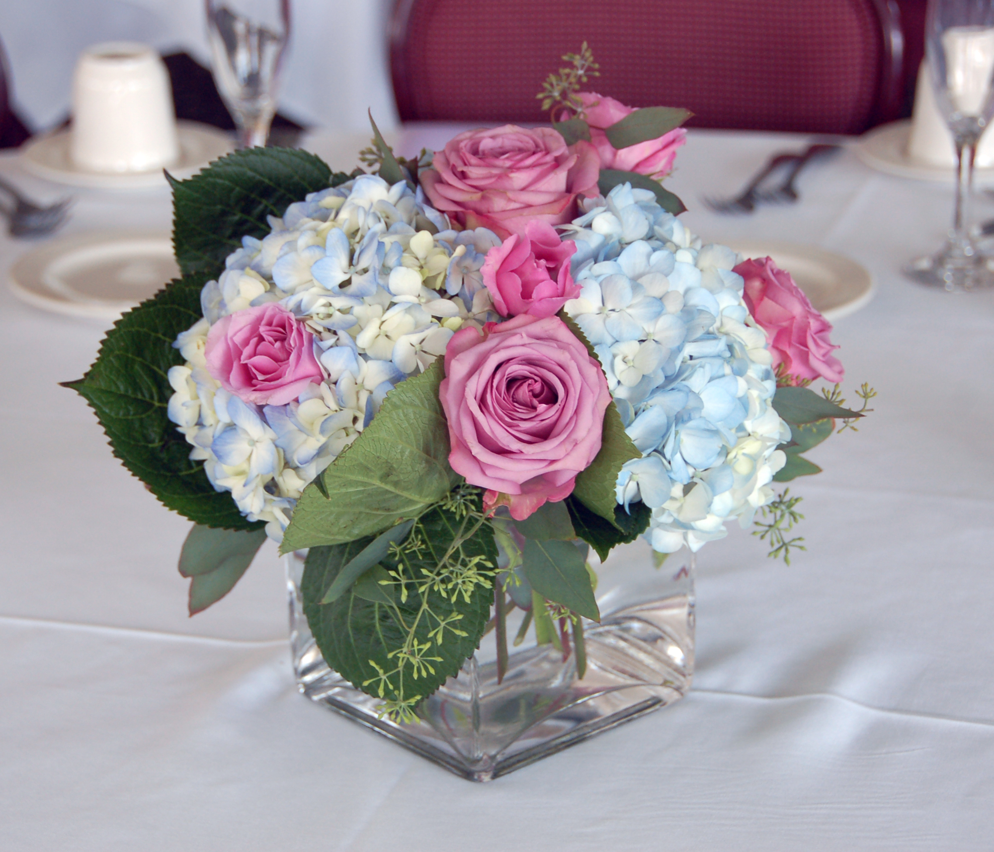 Make your fresh flowers last longer with these tricks for Table arrangements