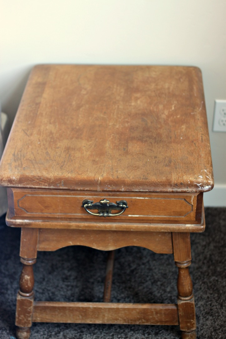 Make wooden furniture look new with oil and vinegar here
