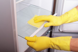 wiping fridge clean how to get it white smells odours baking soda vinegar