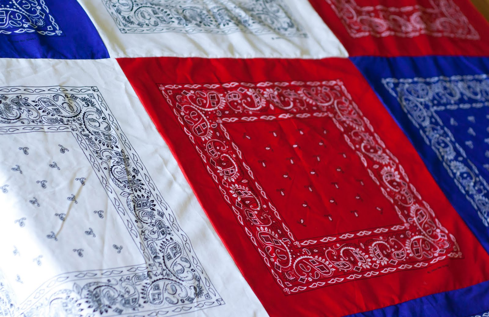 July 4th DIY- Easy Patriotic Bandana Decor table cloth banner napkins party decor bbq4
