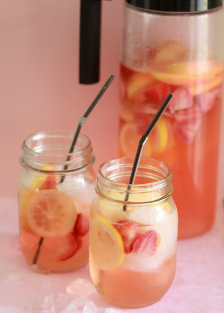 spiked sangria recipes party bbq fruit kiwi orange champagne fizzy5