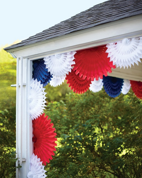 Celebrate Independance Day with these Patriotic Porch Decor Ideas flags diy budget shutter tissue paper firecrackers flowers pillows plants accessories party bbq get together patriotic july 4th2