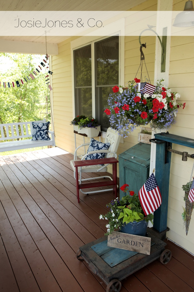 Celebrate Independance Day With These Patriotic Porch Decor Ideas Better Housekeeper