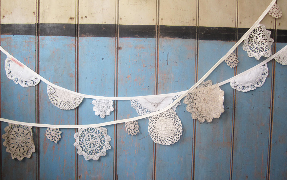 Decorating With Doilies - Take a Look at these Cute Ideas bowls pillows table runner starch easy diy budget vintage thrift store7