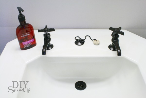 How to Paint Your Bathroom Faucets - No Need to Buy a New One! diy easy cheap spray painting bathroom remodeling10