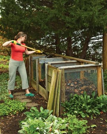 How to Start Start Composting in Your Garden food scraps nutrients gardening4