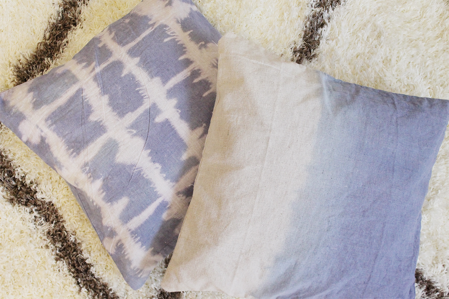 Make Your Own Pretty Tie Dye Pillows - It's So Easy and Fun! diy easy colorful fun 70s style grunge teen dorm kids fun project throw pillows reuse recycle old pillows5