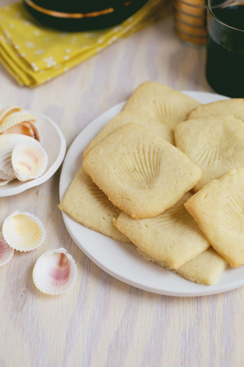 Delicious Fossil Cookies sugar cookie sea shell easy coffee tea break2