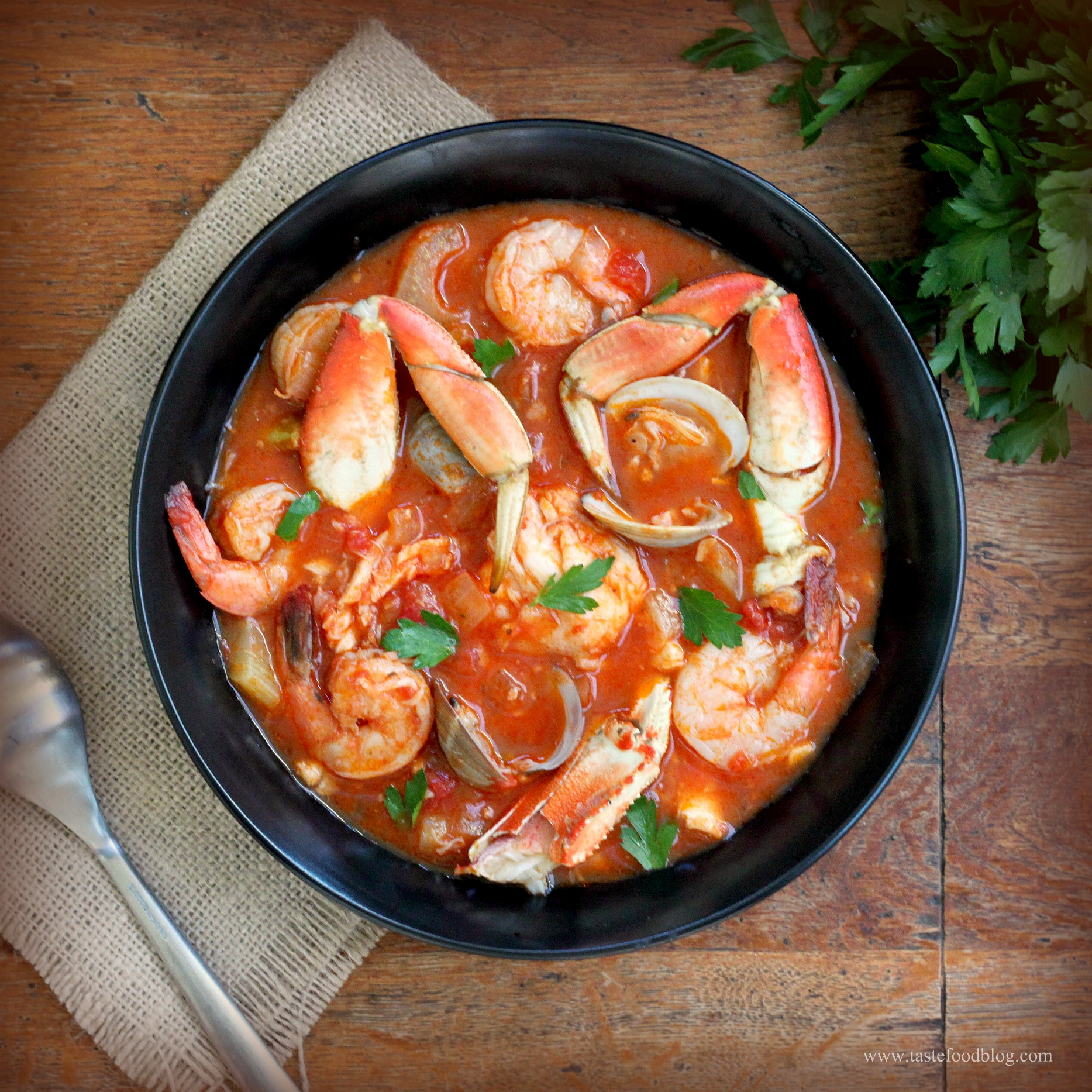 Make This Delicious Cioppino Stew For Tonight's Dinner! crab fish white sea shells shrimp spices herbs easy1