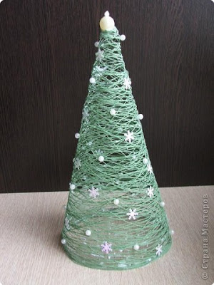 10 Rustic Christmas Decor Ideas You Can Recreate on the Cheap branches reindeer snowflakes stars moss wood thrift store easy budget friendly4
