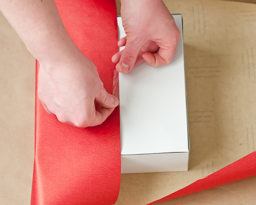 How to Wrap the Perfect Christmas Gift11