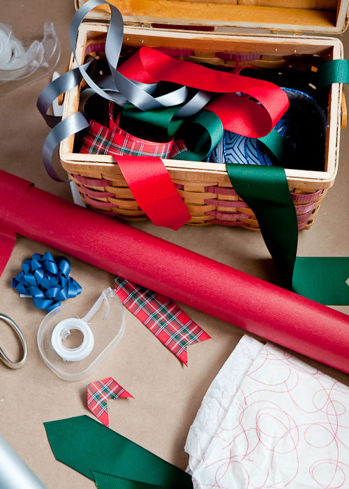 How to Wrap the Perfect Christmas Gift3