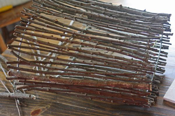 Make This Twig Lampshade For Fall! thrift store glue gun easy cheap diy budget decor autumn fall5