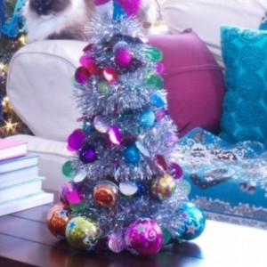 Christmas DIY: Make This Mini Christmas Ornament Tree Using Dollar Store Materials!4