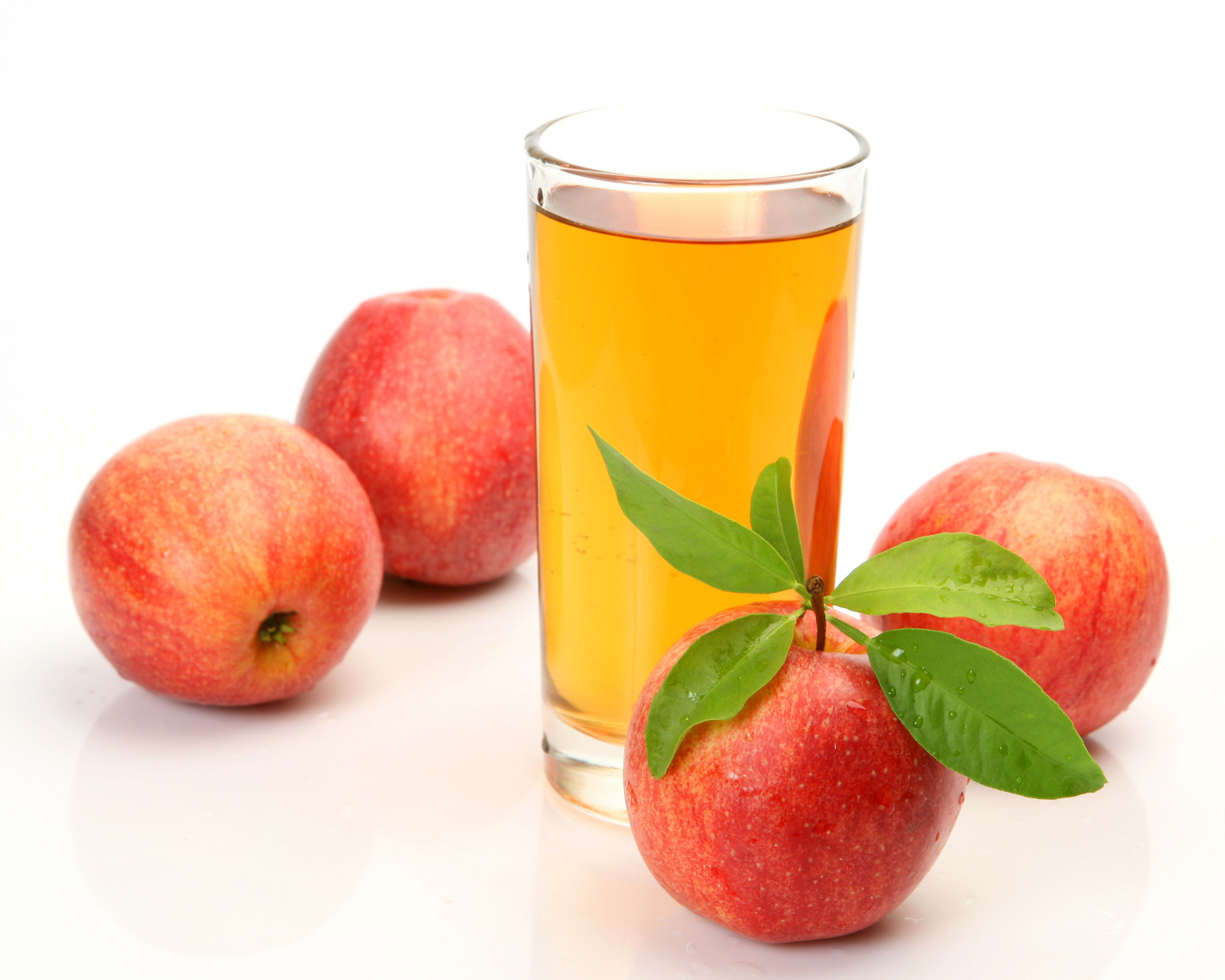 8 Ingenious Ways You Can Use Apple Cider Vinegar in Your Home!9