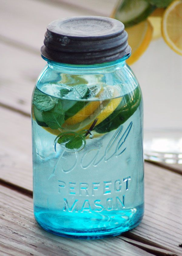 Fresh Start: Start The New Year Off Right With This Detox Drink! ginger cucumbers lemon mint lose weight holidays gym healthy infused water1