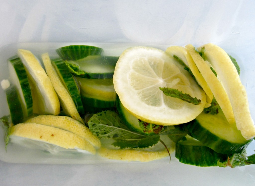 Fresh Start: Start The New Year Off Right With This Detox Drink! ginger cucumbers lemon mint lose weight holidays gym healthy infused water2