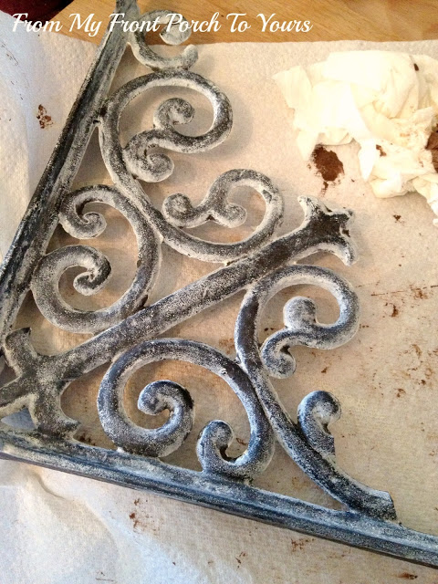 Shabby Chic DIY: Make Your Brand New Iron Brackets Old and Rusty3