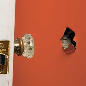 DIY Home Repair: How to Fix Drywall Holes Yourself for Cheap! home repair easy budget do it yourself spring cleaning home old house wall fix budget construction remodelling1