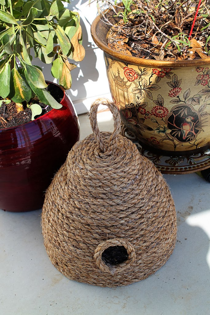 DIY: Make this Super Cute Beehive for Your Front Porch for Under $10! summer patio decor ideas spring beehive bbq pinterest project glue gun cheap budget rustic country rope twine easy1