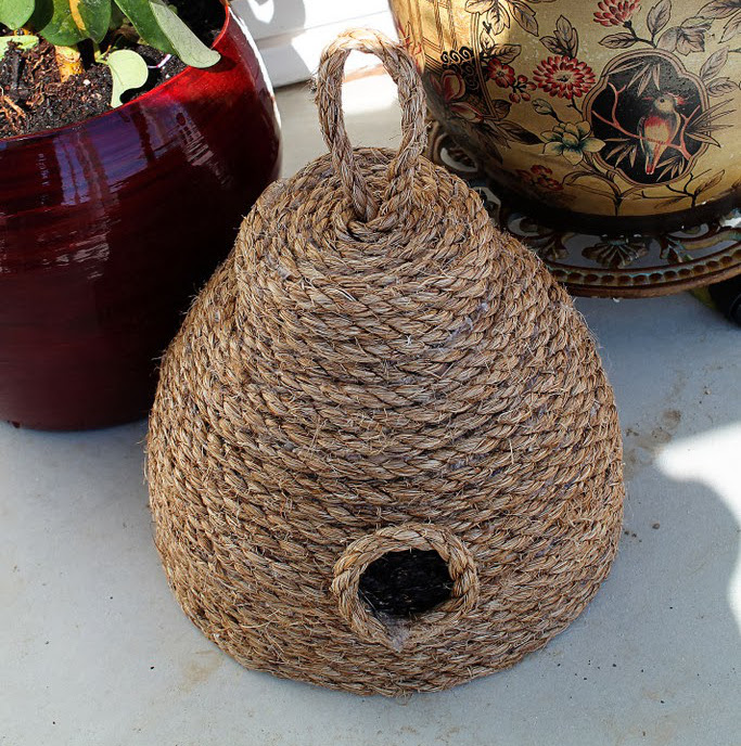 Summer Porch Decorating Ideas Diy: DIY: Make This Super Cute Beehive For Your Front Porch For