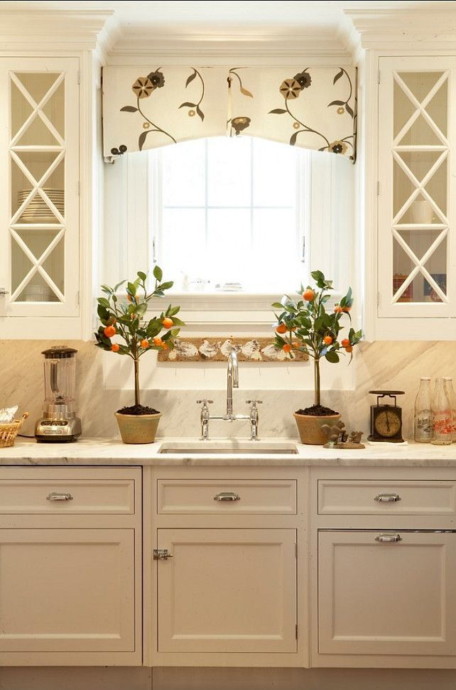kitchen scalopped window valance