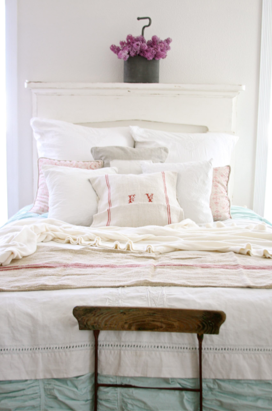 pretty-bed-linens-as-gifts-for-christmas