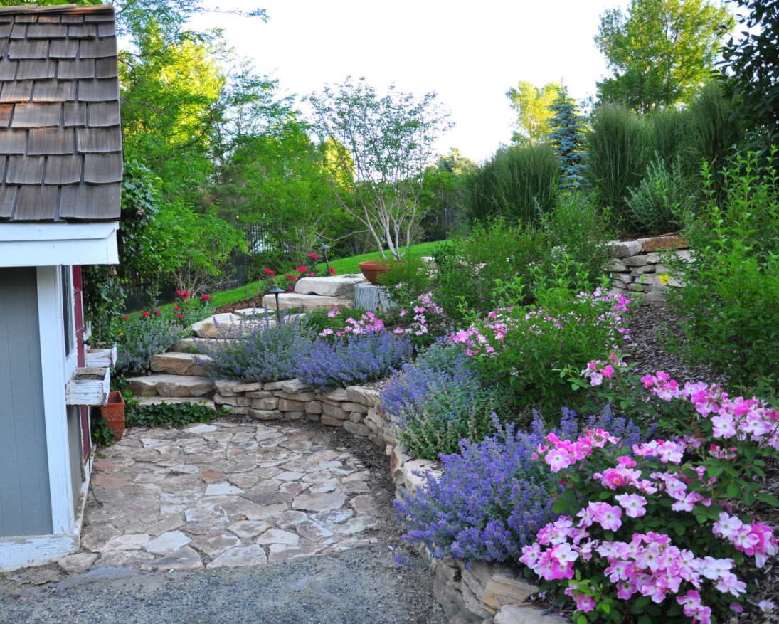 Prepare your yard for spring with these easy landscaping for Front yard flower bed designs