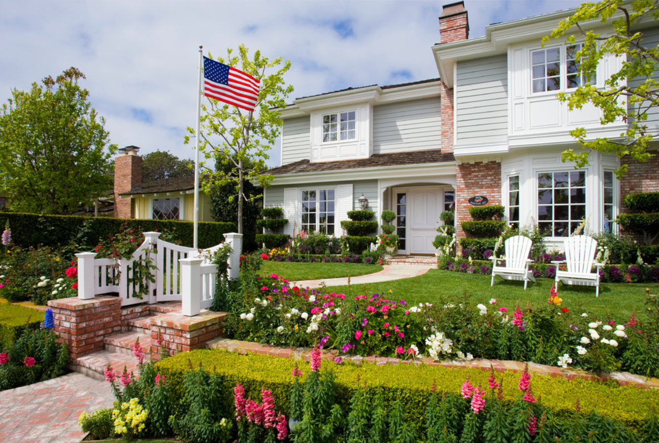 Prepare your yard for spring with these easy landscaping for Home front landscape design