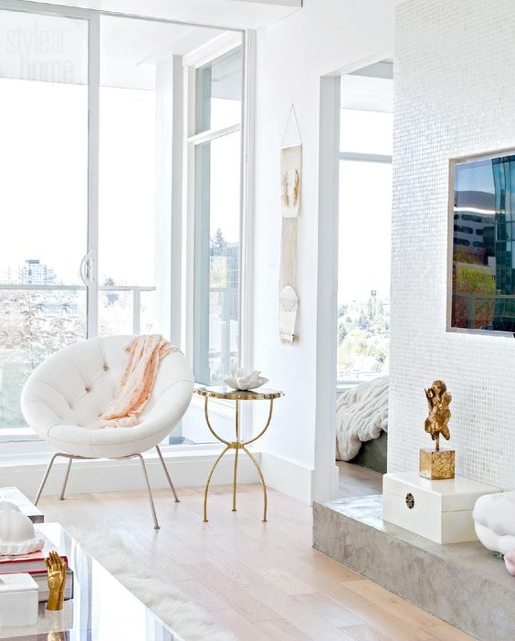 white and gold apartment decorating ideas