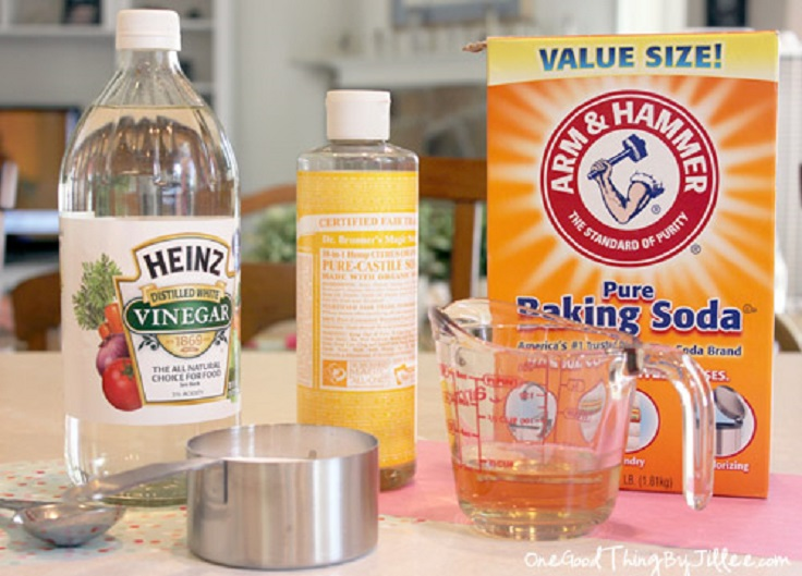natural cleaning products vinegar baking soda