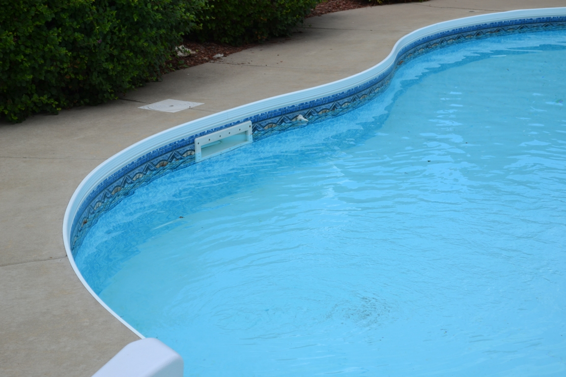 pool water levels how to check
