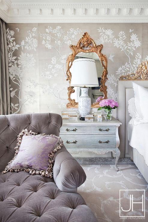 pretty-gold-mirror-bedroom-chinoiserie-metallic-wallpaper