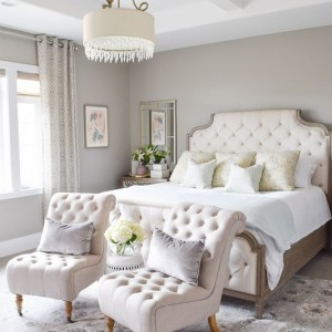 pretty-guest-bedroom-decor-tufted-slipper-chairs