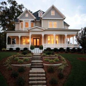 pretty country house style landscaping