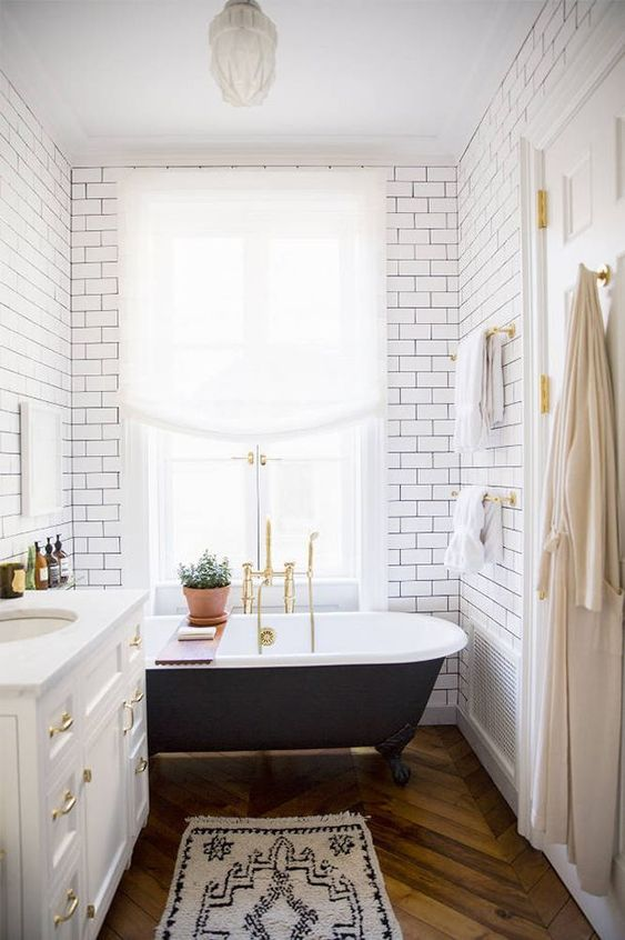 9 Ways to Keep Your Bathroom Clean Longer | Better HouseKeeper