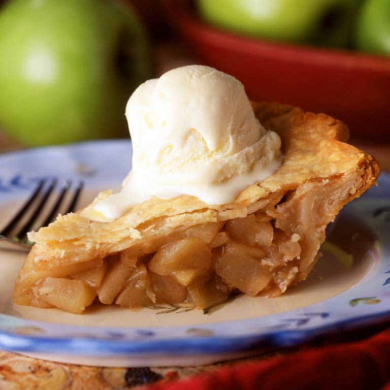 grandmas old fashioned apple pie easy quick dessert apples cinammon nutmeg crust home made easy delicious