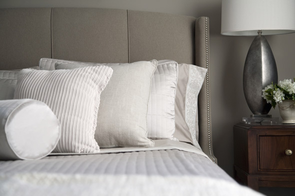 how to make yellow pillows white again better housekeeper. Black Bedroom Furniture Sets. Home Design Ideas