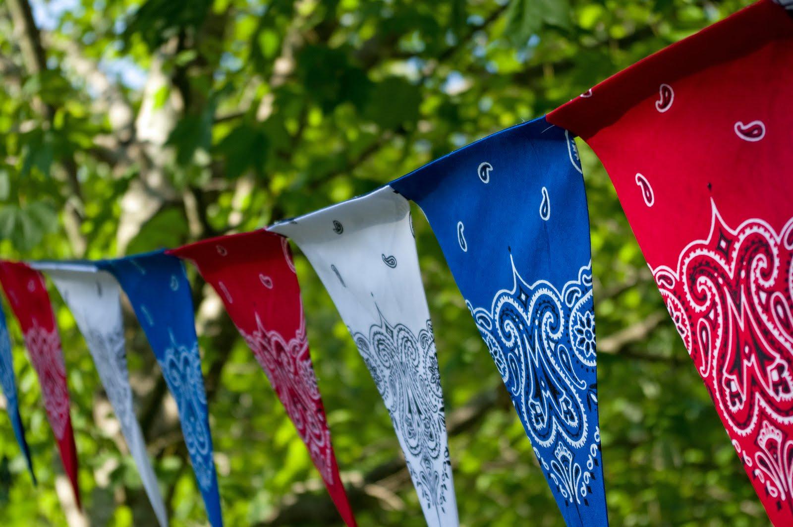 July 4th DIY- Easy Patriotic Bandana Decor table cloth banner napkins party decor bbq5