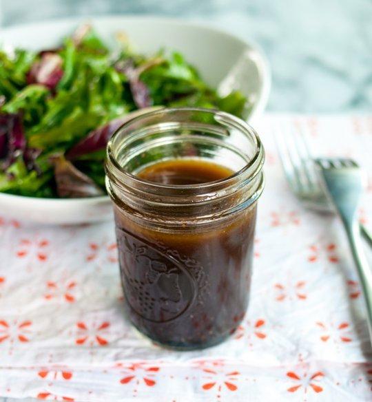balsamic vinegar salad dressing olive oil lettuce iceberg lettuce mixed salad salt and pepper