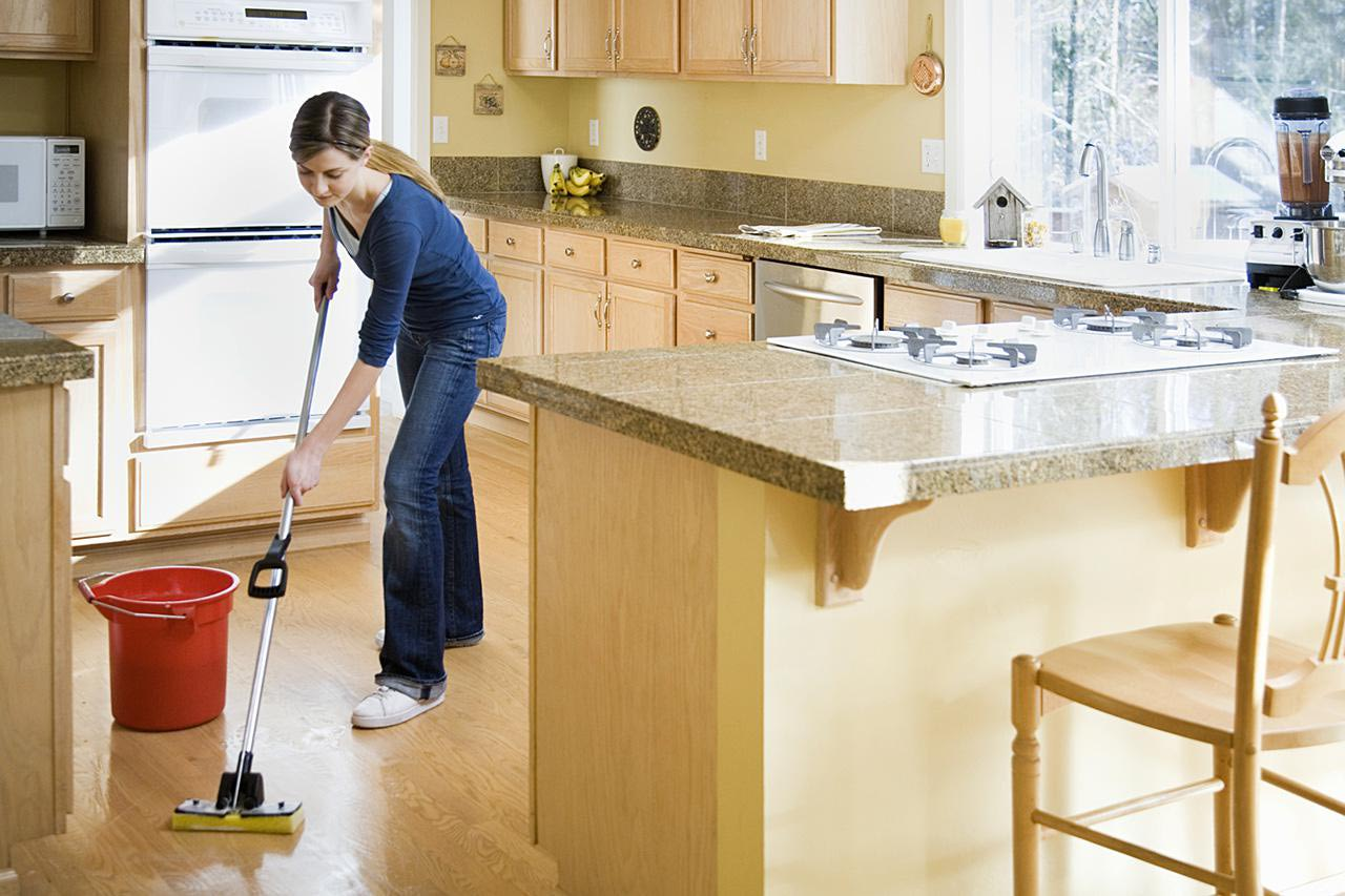cleaning kitchen floor can t get those floors to sparkle learn how to choose the 2235