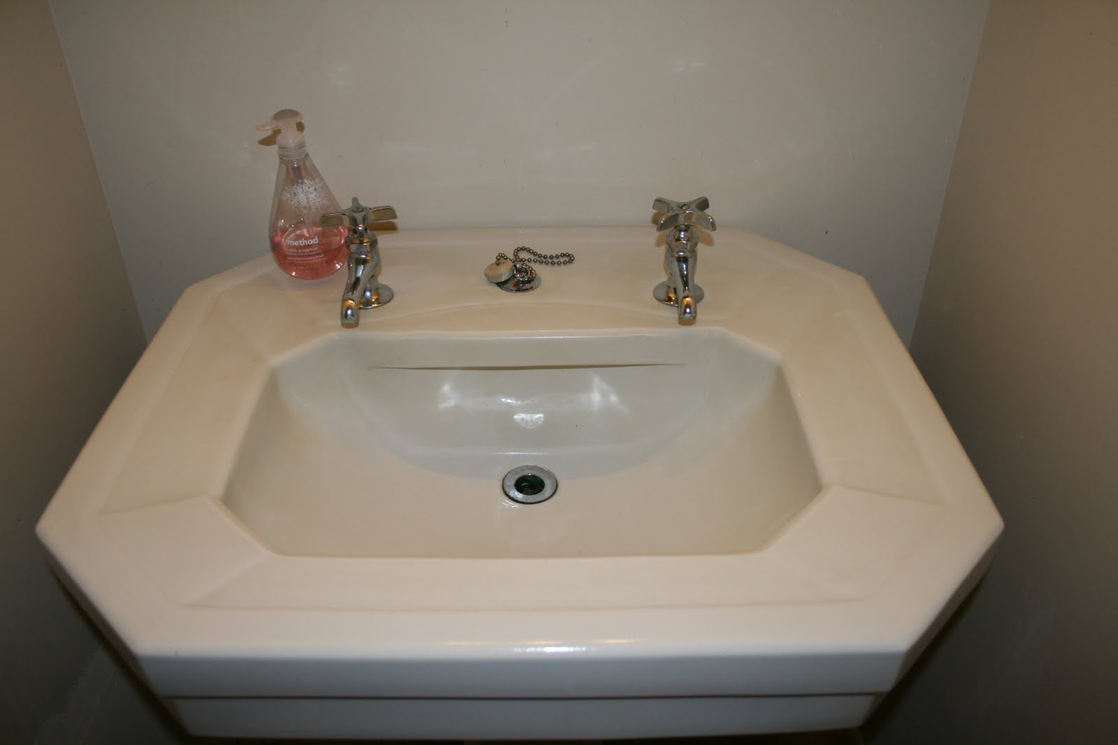 can you spray paint bathroom fixtures can you spray paint bathroom faucets can you paint 25188