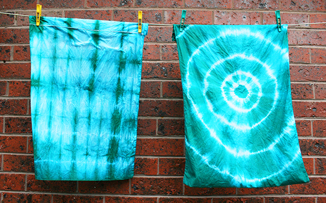 Make Your Own Pretty Tie Dye Pillows - It's So Easy and Fun! diy easy colorful fun 70s style grunge teen dorm kids fun project throw pillows reuse recycle old pillows8