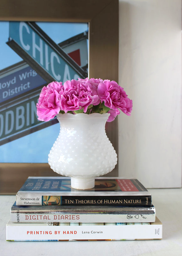 DIY- Create Your Own Milk Glass Vases for Cheap! spray paint thrift store budget easy5