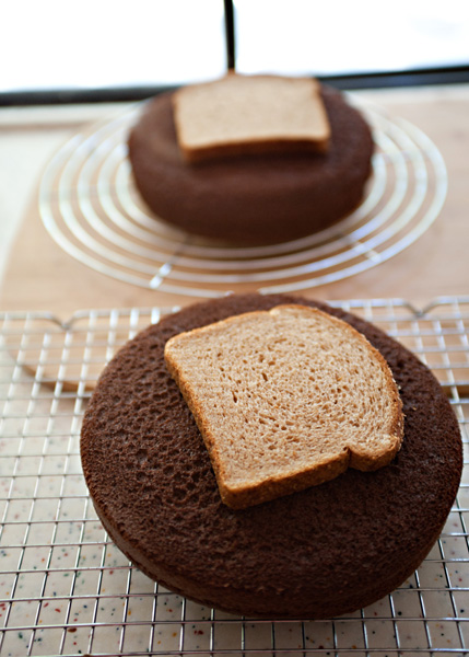 This Easy Bread Trick Will Keep Your Cake from Going Stale!3