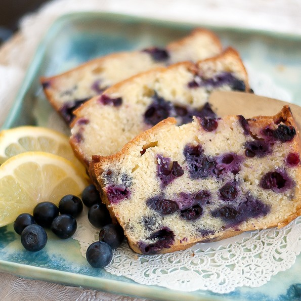 Easy and Quick Blueberry Bread With Lemon Glaze2