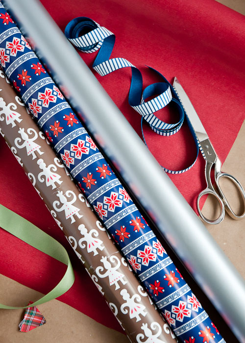 How to Wrap the Perfect Christmas Gift1