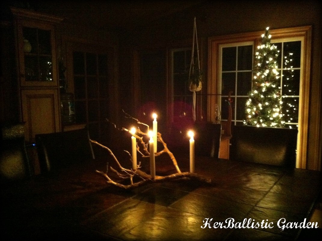 Make This Branch Candle Centerpiece For Christmas This Year glue candles decor holidays easy diy12