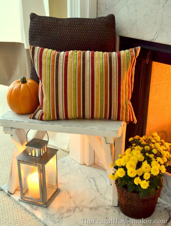 Mantle Decor 101: Take a Look at This Fall Fireplace 3