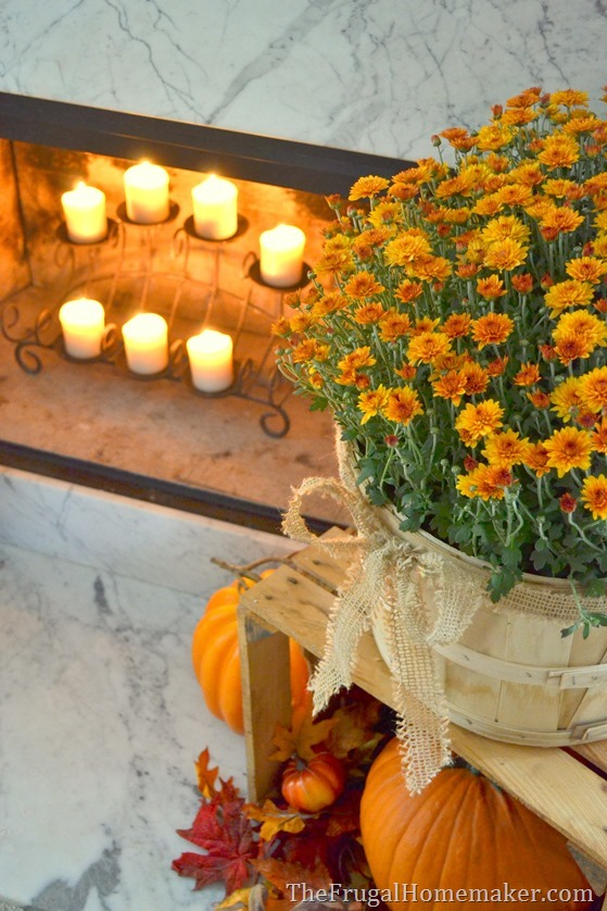 Mantle Decor 101: Take a Look at This Fall Fireplace 4